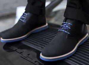 Calçados de solado fino são os ideais para homens baixos.