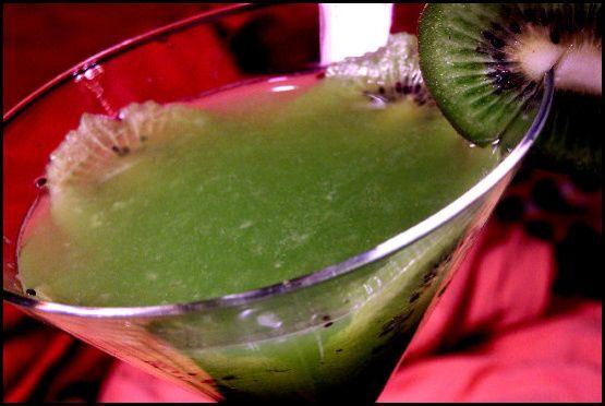 Kiwi Martini Recipe - Food.com. Vodka, sugar syrup, kiwi
