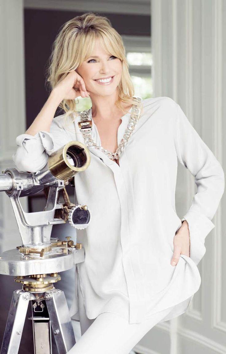Christie Brinkley, 59 & fabulous.