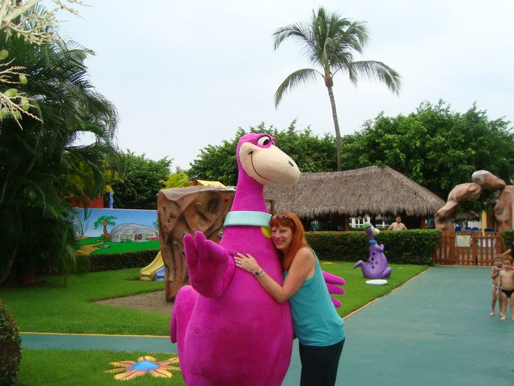Wishing all my buddies in Puerto Vallarta sun, safety, beach and Dino said all is fine!!!!