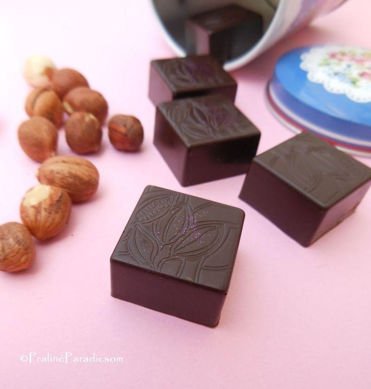 """A """"praliné"""" szót a köznyelvben általánosságban használjuk """"töltött csokoládéfalat"""" jelentésben, tulajdonképpen gyakran a """"bonbon"""" szó szin..."""