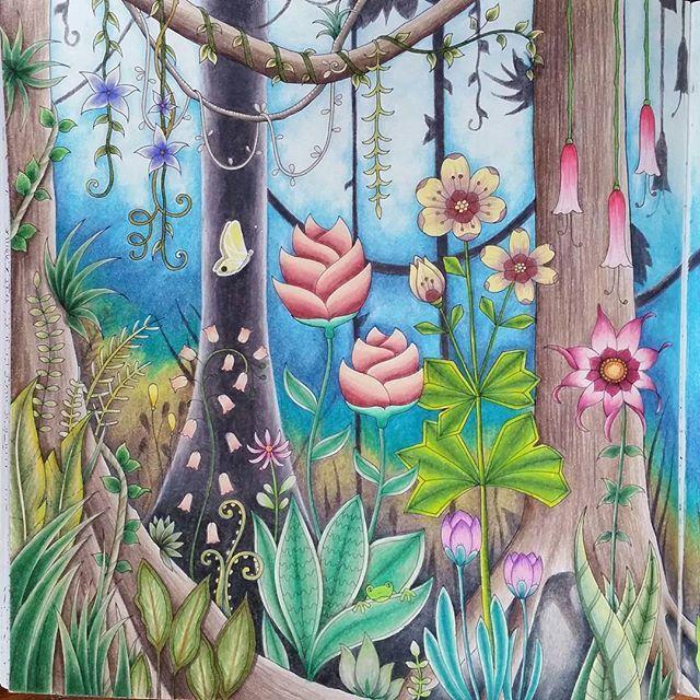 #johannabasford #magicaljungle #coloring #adultcoloring #antistress #prismacolor #jungle