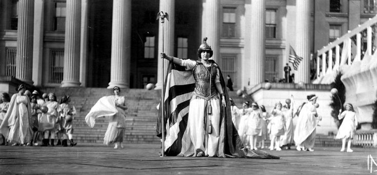File:Suffrage pageant Washington 1913.jpg