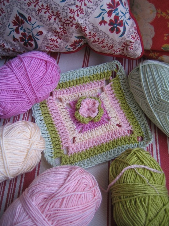 Love the use of colors in this crochet square!
