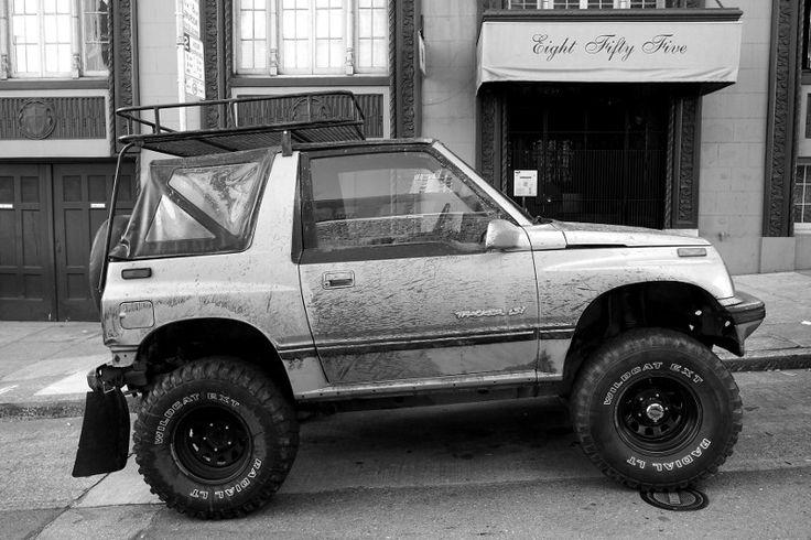 Suzuki Sidekick White With Rack