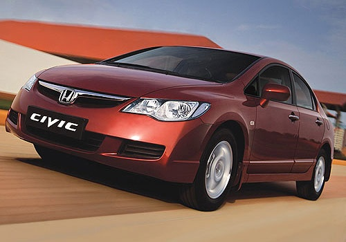 No other car sports more cunning. The new Honda Civic. It drives you.