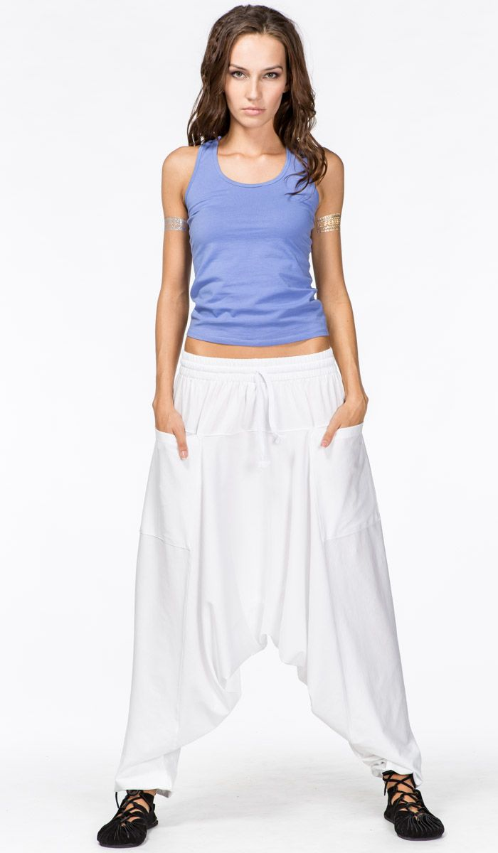 https://indiastyle.ru/pants-with-bunt/product/sharovary-belye-4364w  Удобные беллые индийские штаны алладины, шаровары для йоги.  Alladin pants, indian harem pants, yoga clothes   1620 рублей