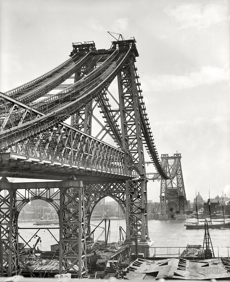 New York City, 1902: The enthralling beauty of the partially completed Williamsburg Bridge stuns the eye. It needs no neoclassical touches, no romanesque arches nor Victorian gingerbread - the steel girders themselves create a monument to the Industrial Age.