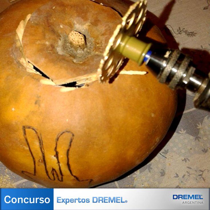 Paso 3) Con el disco Ez-Lock EX544 se corta la base que servirá tanto de apoyo como de acceso para la conexión eléctrica.