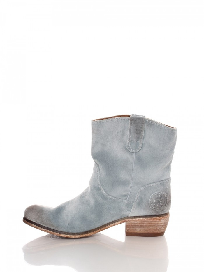 Paint your boots with Chalk Paint® by Annie Sloan.