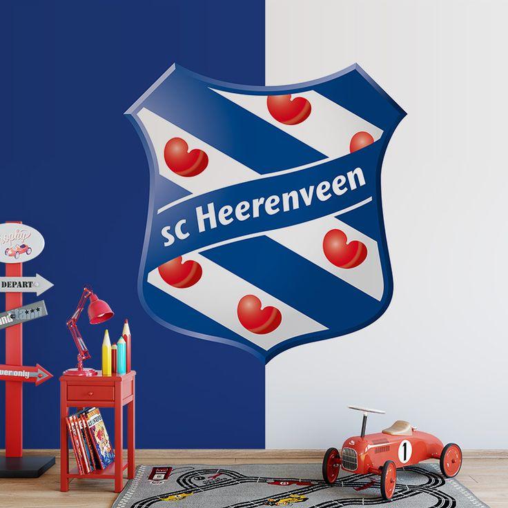 Fotobehang SC Heerenveen | Maak het jezelf eenvoudig en bestel fotobehang voorzien van een lijmlaag bij YouPri om zo gemakkelijk jouw woonruimte een nieuwe stijl te geven. Voor het behangen heb je alleen water nodig! #behang #fotobehang #print #opdruk #afbeelding #diy #behangen #scheerenveen #heerenveen #voetbal #club #voetbalclub #friesland #fryslan #logo #embleem #blauw