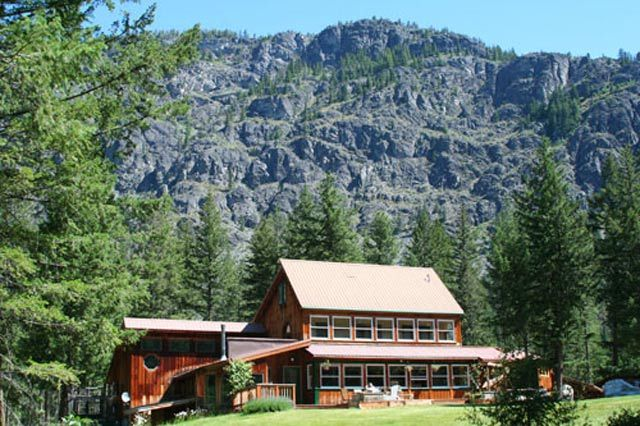 Day Hikes and Cheap Sleeps in the Methow Valley, North ...