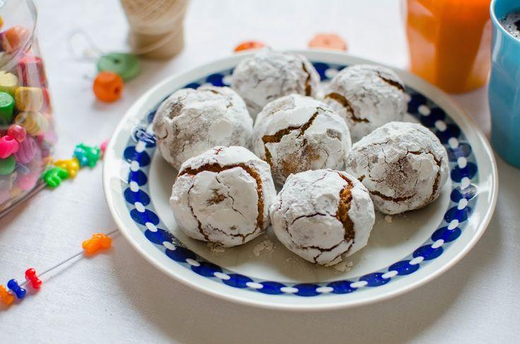 Barnsligt godamandelmumsbitar med hasselnötter. En otroligt lätt kaka att baka som inte lämnar efter sig så mycket disk och stök. Det ri...