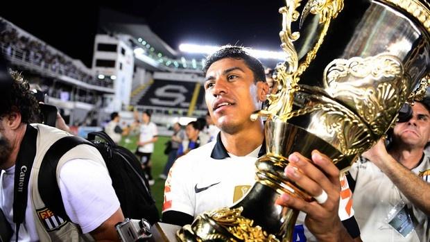 Paulinho (Midfield) - Sport Club Corinthians Paulista - Paulista Champion 2013