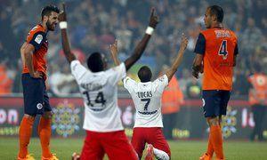 Fotbalisté Paris St. Germain slaví po výhře s Montpellierem zisk francouzského titulu