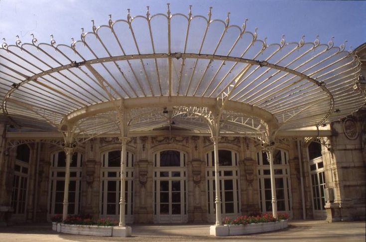 Marquise, espace extérieur protégé dans qu'il est possible de chauffer avec des panneaux Radiants Chodevan