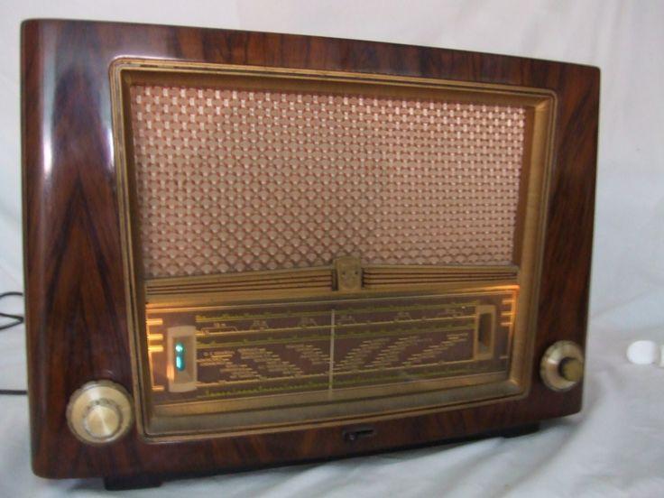 Philips BE 441A (1954). Antique radio. Tube radio