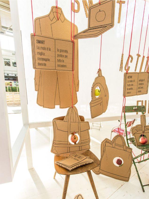 Cosas de cartón que cuelgan del techo :D Sanakids 2013