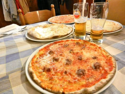 """In Passignano sul Trasimeno (Perugia) near the exit of Torricella is the restaurant pizzeria """"Il Gabbiano"""", which means the gull. This is a very easy stop on your way from Perugia to Siena or to en..."""