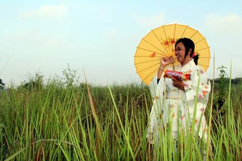 Narsis #LoveBiskuitKokola berhadiah Kamera SLR by Yuni Kirana