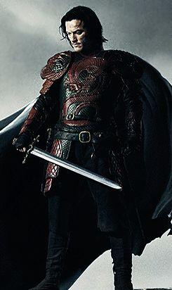 Luke Evans in Dracula Untold, 2014. Wow, he looks like Vlad!