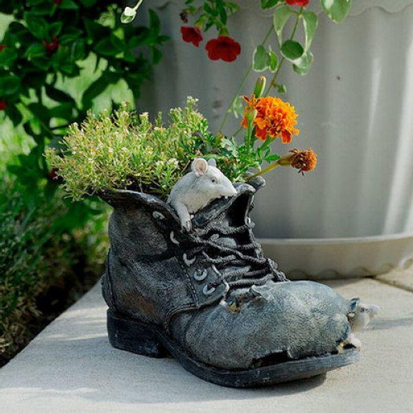 Du musst nicht immer viel Geld für einen großen und praktischen Container für Ihren Garten Pflanzen und Blumen zu verbringen. …