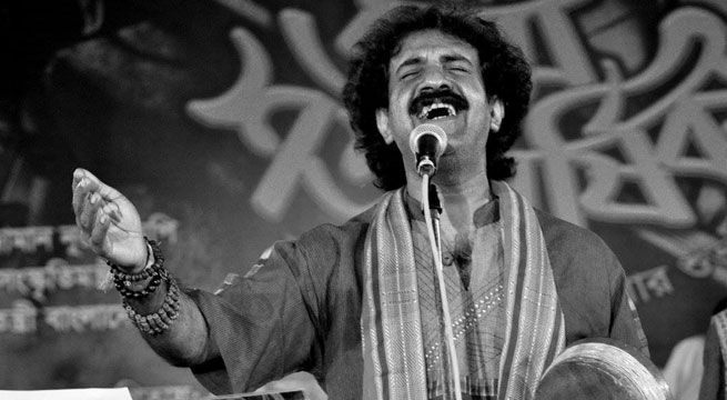 """Kolkata: West Bengal Chief Minister Mamata Banerjee on Tuesday condoled the death of popular Bengali folk music singer Kalikaprasad Bhattacharya. Bhattacharya passed away in a road mishap at Palsit in Burdwan district this morning. In a message, Banerjee said, """"I am deeply saddened over..."""