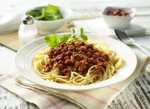 Spaghetti Bolognese aus Putenhack mit Chili, Ingwer und Koriander #spaghetti #bolognese #pute #putenhack #putenhackfleisch #geflügelhackfleisch #geflügelhack #hackfleisch #hack #poultry #gefluegel #geflügel #turkey #hot #new #neu #recipe #rezept #genuss #pasta