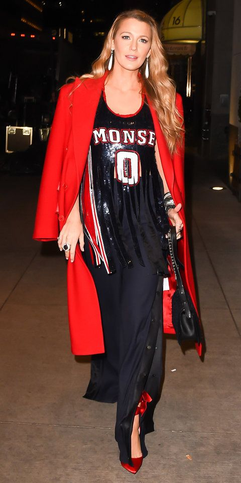 InStyle's Look of the Day picks for October 17, 2017 include blake lively, GIGI HADID and KATE HUDSON.