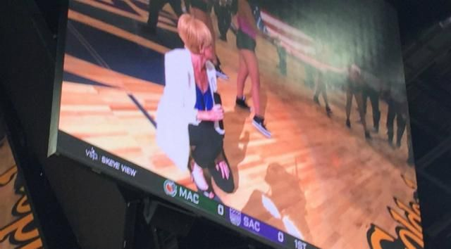 The First National Anthem Singer At The Sacramento Kings' New Arena Took A Knee