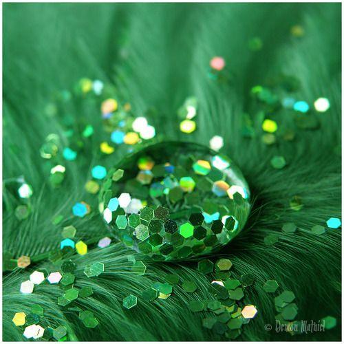 Royal Green by *DemonMathiel on deviantART