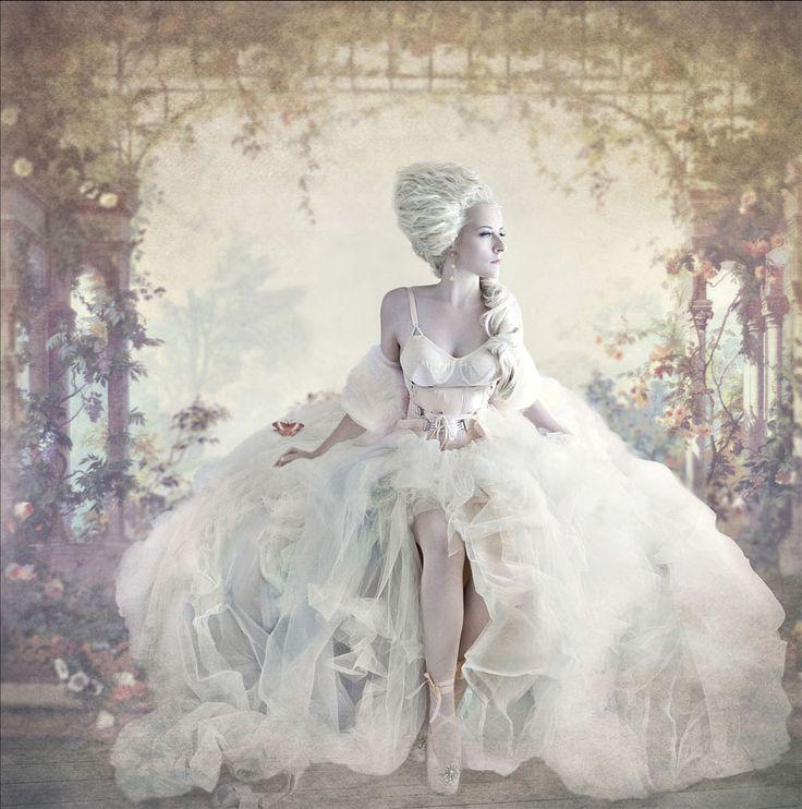 dreamy: Wedding Dressses, Woman Fashion, Good Ideas, Marie Antoinette, Dresses, Mary Antoinette, Portraits, Sue Bryce, Photography Inspiration