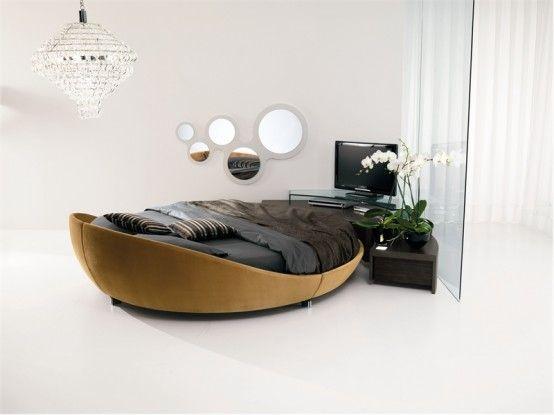 W takie chłodne jesienne dni to nic tylko schować się w łóżku pod ciepłą kołdrą. A co powiecie na taki koncept łóżka? http://www.eksmagazyn.pl/design/wnetrza/lozko-na-okraglo/ || #lozko #bed #prealpi #sen #design #meble