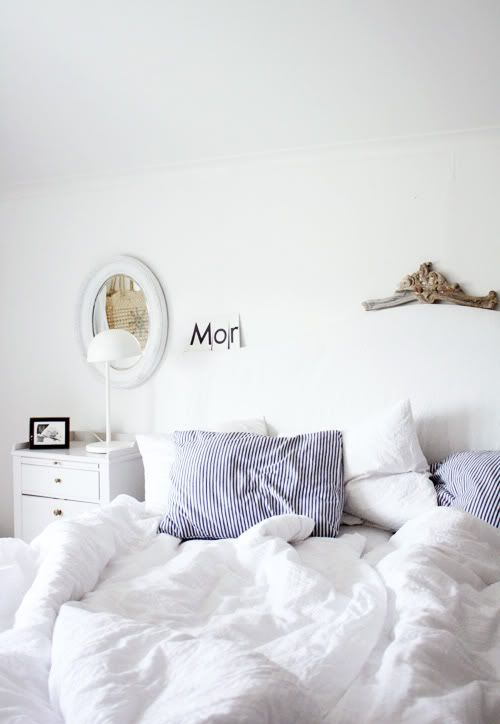decor8 » Blog Archive » Decorating Ideas By Me And AliceDecor Ideas, Elle Decor, Dreams Beds, White Beds, Interiors Design, Design Bedrooms, White Bedrooms, Bedside Tables, Bedrooms Ideas