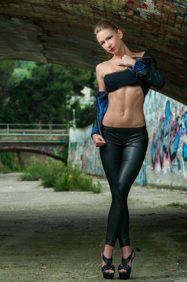 shiny leggings | Tumblr