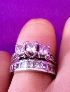 Beautiful 3 5 Ctw Three Stone Engagement Ring And Wedding Set