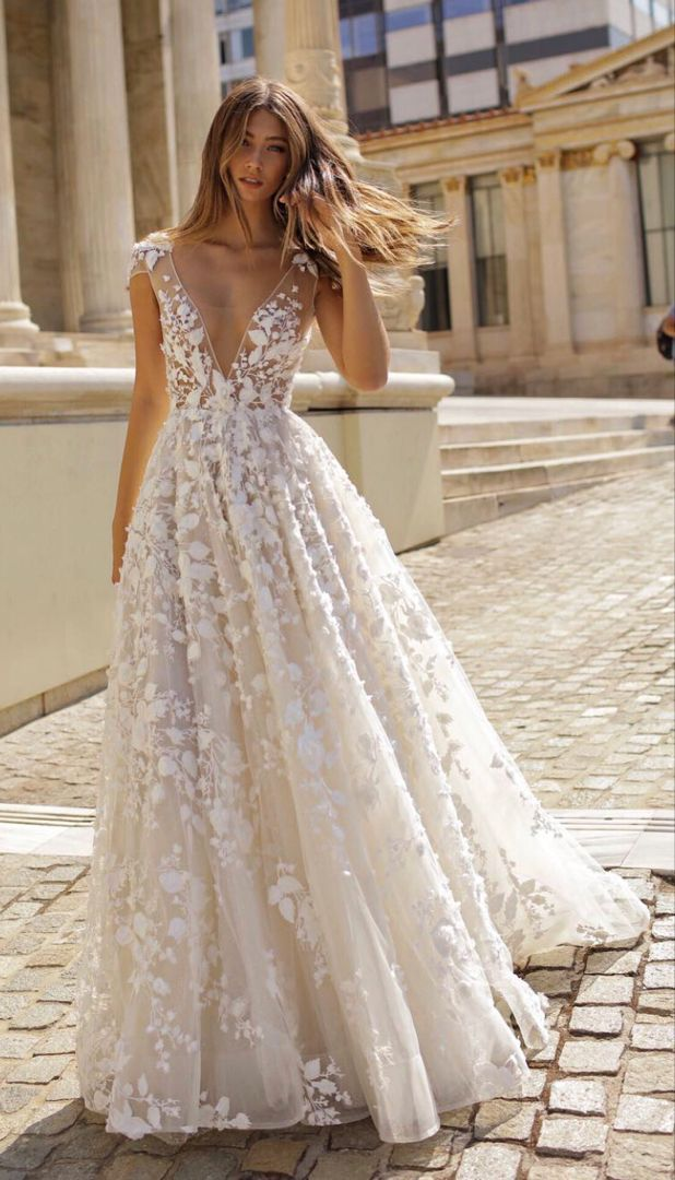 Rustic Wedding Dresses Guest And Cheap Modest Wedding Dresses In 2020 Gorgeous Wedding Dress Empire Wedding Dress Celebrity Wedding Dresses