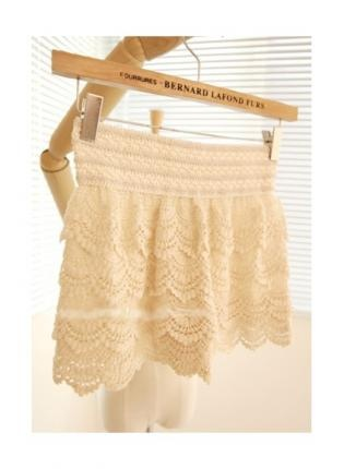 tiered lace beige shorts....oh i sooo want for the summer