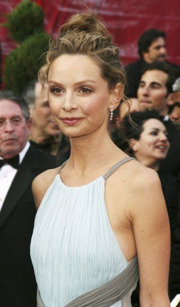WORST: Calista Flockhart looked like she hopped out of the shower and threw her hair up without looking in the mirror at the Oscars in 2008.