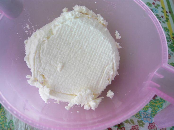 「チーズ手作り女子」が急増中!簡単にできるチーズの作り方   iemo[イエモ]