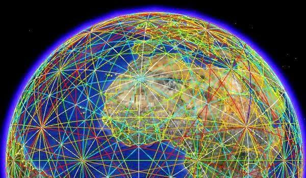 """En radiestesia, las líneas Hartmann son las líneas de campo magnético de nuestro planeta que forman una """"malla"""" energética a la cual estamos expuestos todo y todo lo que está en la superficie de éste, variando el funcionamiento de los cuerpos y artefactos, según a intensidad de las líneas y sobre todo sus cruces."""