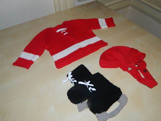 Free Crochet Pattern Baby Hockey Skates : 17 Best images about knitting on Pinterest Coins, Knit ...