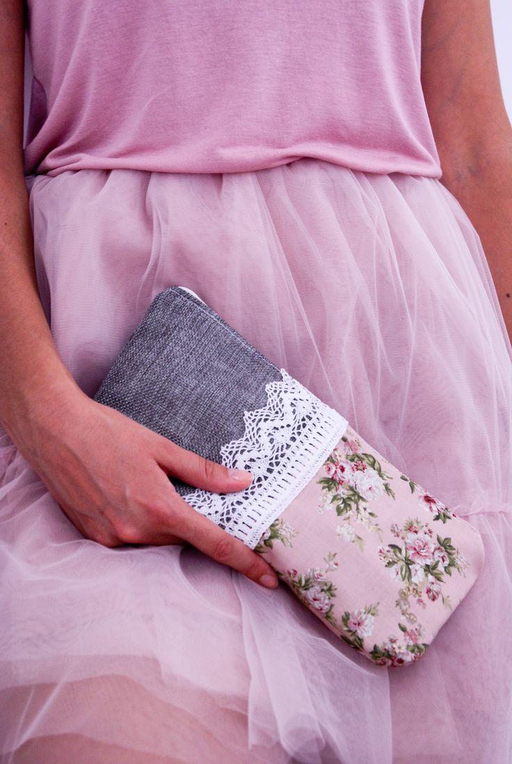Tulle skirt & zipper pouch