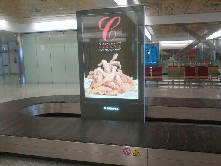 Aeropuerto de Santander, sala recogida de equipajes. El Restaurante Cañadío Santander - Madrid nos muestra una de las raciones más típicas de Santander las rabas de calamar! Deliciosas!
