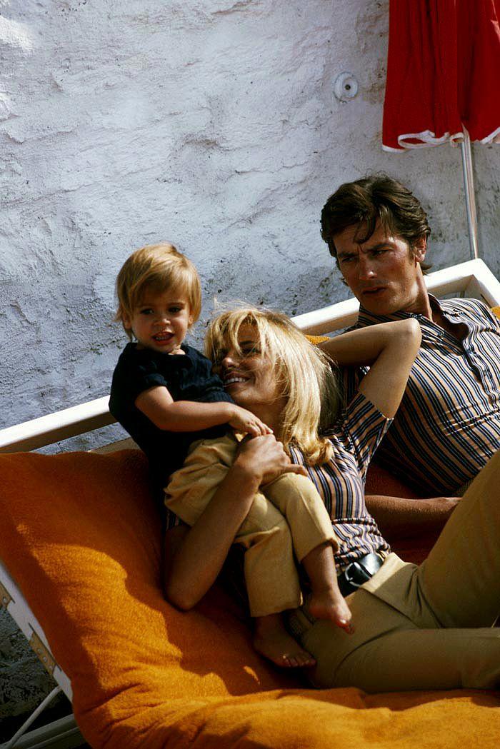 Alain Delon avec Nathalie Delon et leur fils Anthony © Photo sous Copyright
