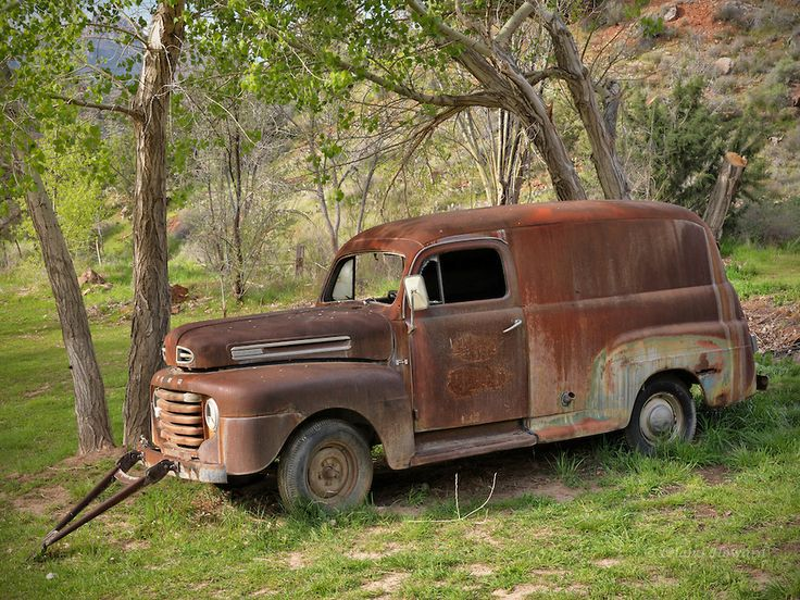 1950 Rusty old Ford Panel truck in field | Rusted Rusty ...