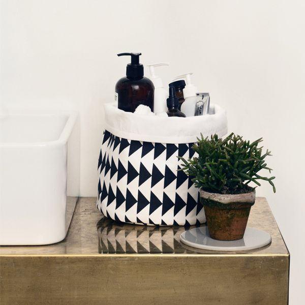 Arrow basket, small, by Ferm Living.