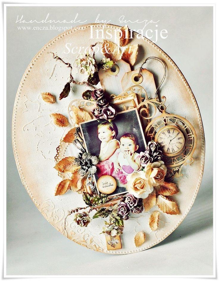 Romantyczna ramka na blejtramie.   W roli głównej dwie z moich ulubionych modelek :)   Ramkę ozdabiają bajeczne kwiaty Primy oraz delikatne...
