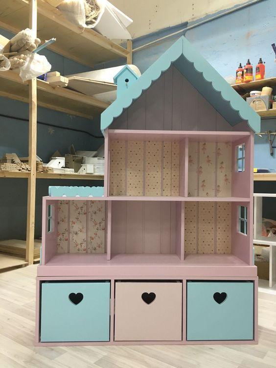 Handgemachtes Puppenhaus. Puppenhaus … – Kindergarten – #Handgemacht #Kind …   – Kids