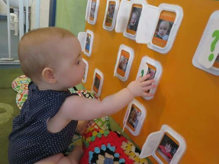 avec les paquets de lingettes bricolages jeux enfants pinterest nourrissons et bricolage. Black Bedroom Furniture Sets. Home Design Ideas